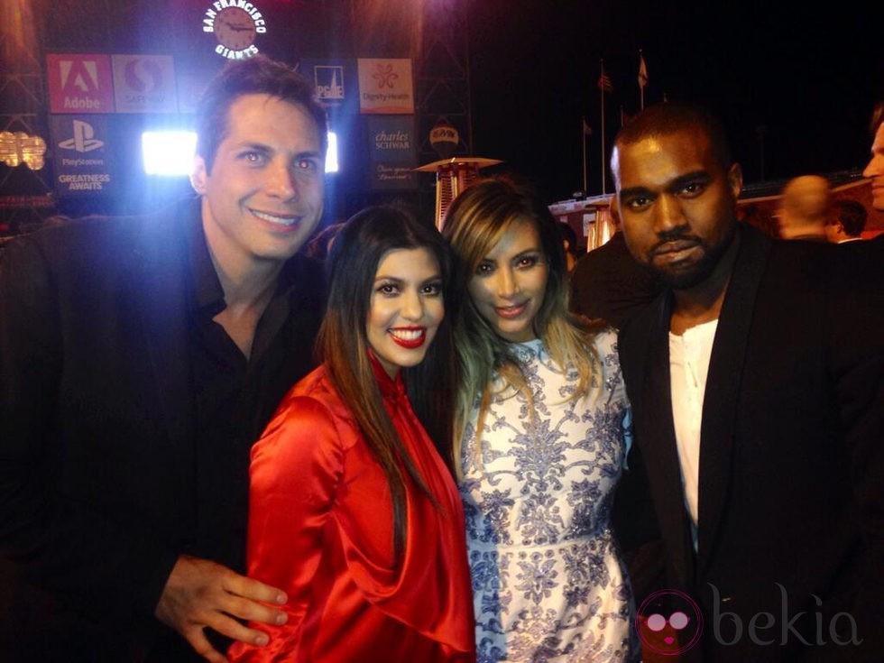 Joe Francis, Kourtney Kardashian, Kim Kardashian y Kanye West