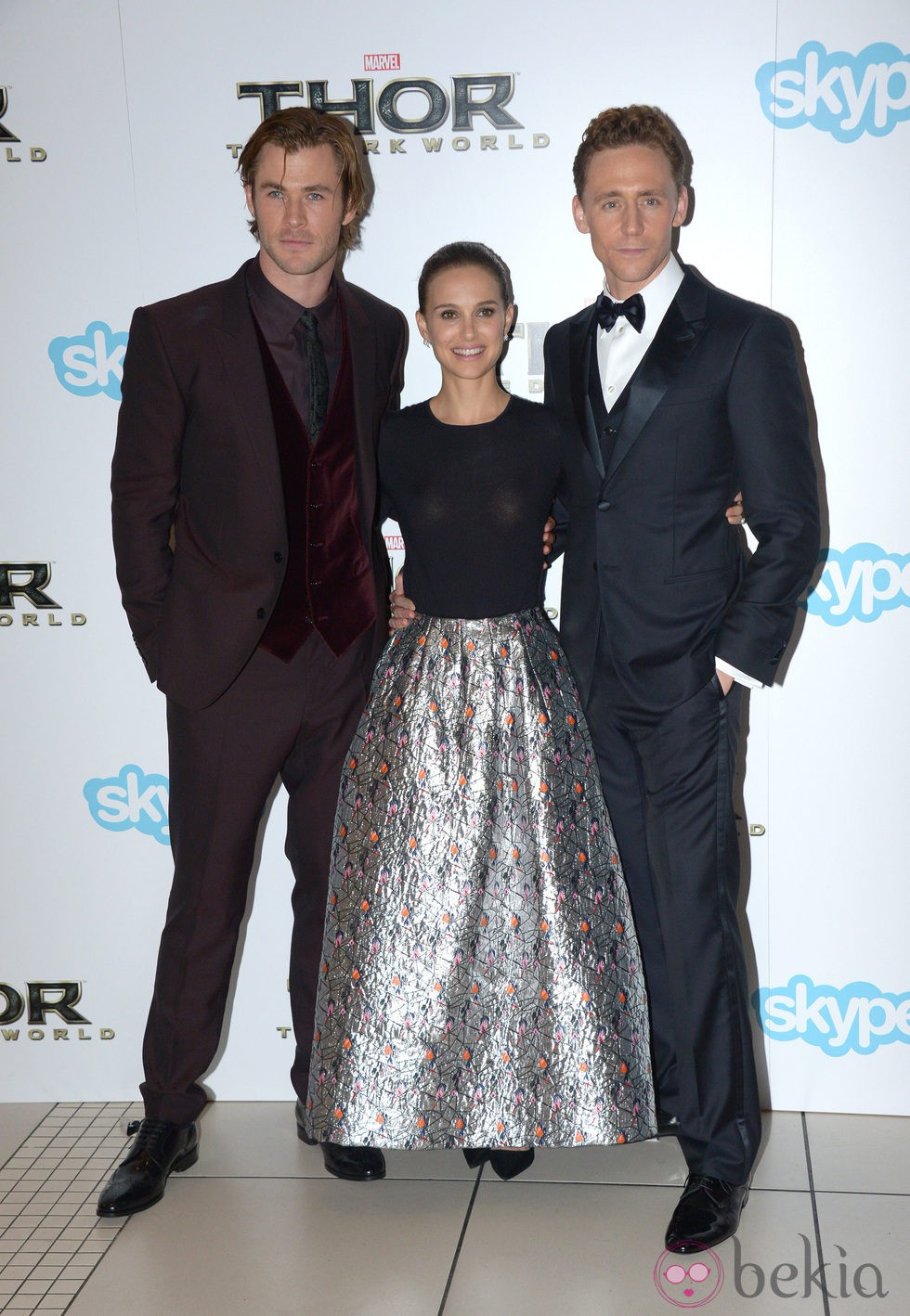 Chris Hemsworth, Natalie Portman y Tom Hiddleston en el estreno de 'Thor: El mundo oscuro' en Londres