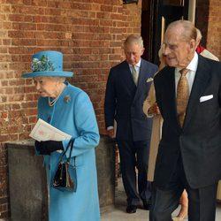 La Reina Isabel II y el Duque de Edimburgo en el bautizo del Príncipe Jorge de Cambridge