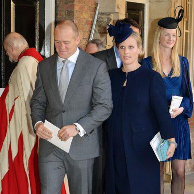 Zara Phillips y Mike Tindall en el bautizo del Príncipe Jorge de Cambridge
