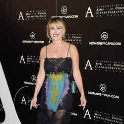 Miriam Díaz Aroca en la entrega de la Medalla de Oro de la Academia de Cine a Ángela Molina