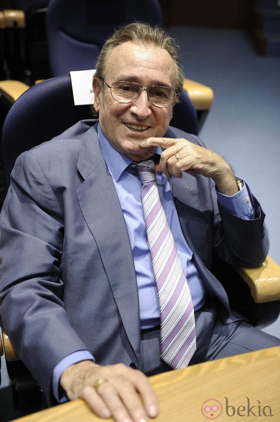 Manolo Escobar en la entrega de un premio en Madrid