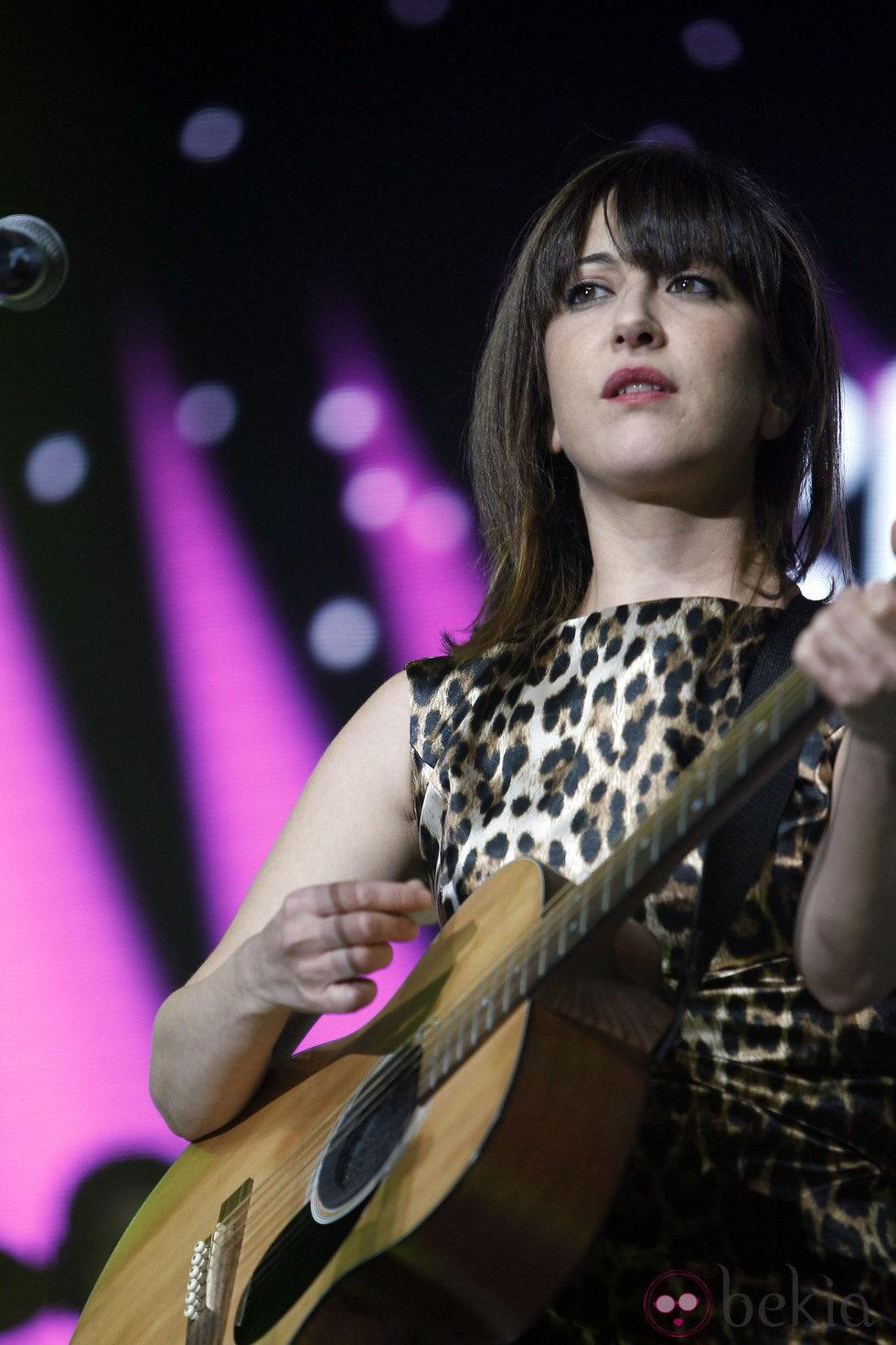 Mai Meneses durante el concierto 'Por Ellas' de Cadena 100