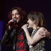 Mai Meneses y Manuel Carrasco durante el concierto 'Por Ellas' de Cadena 100