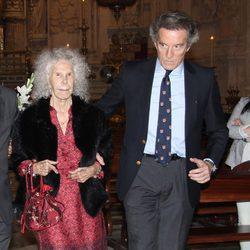 La Duquesa de Alba y Alfonso Díez en el traslado de la Virgen de las Angustias