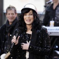 Cher actuando en el programa 'Today Show' de NBC en Nueva York