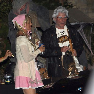 Goldie Hawn y Kurt Russell disfrazados en una fiesta de Halloween en Beverly Hills