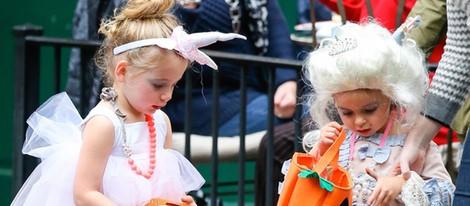 Las gemelas de Sarah Jessica Parker en busca de caramelos en Halloween