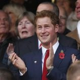 El Principe Harry durante un partido de rugby en Londres