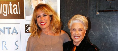 Lola Herrera y Miriam Díaz Aroca en la presentación de su álbum 'Colours'