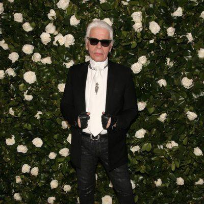 Karl Lagerfeld en una fiesta homenaje a Tilda Swinton en el MoMA