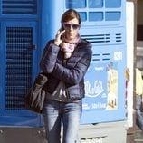 Raquel Sánchez Silva hablando por el móvil