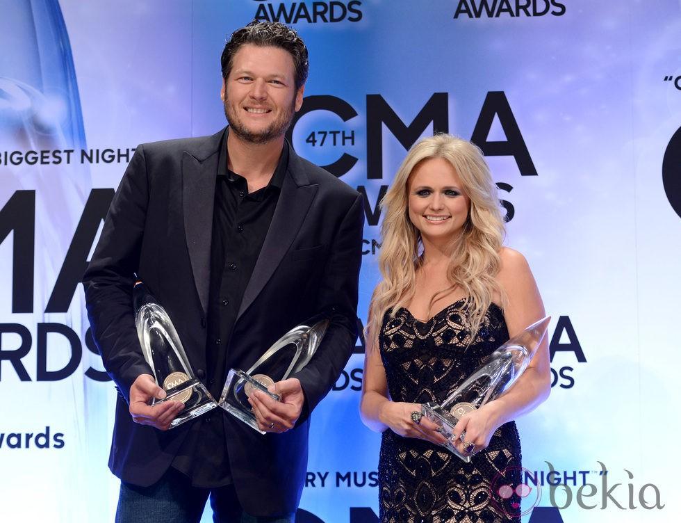 Blake Shelton y Miranda Lambert en los Premios CMA 2013