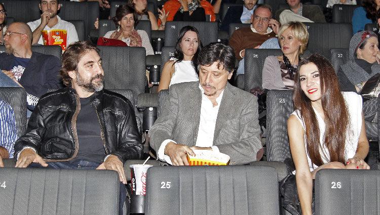 Javier y Carlos Bardem y Cecilia Gessa en el estreno de 'Alpha'