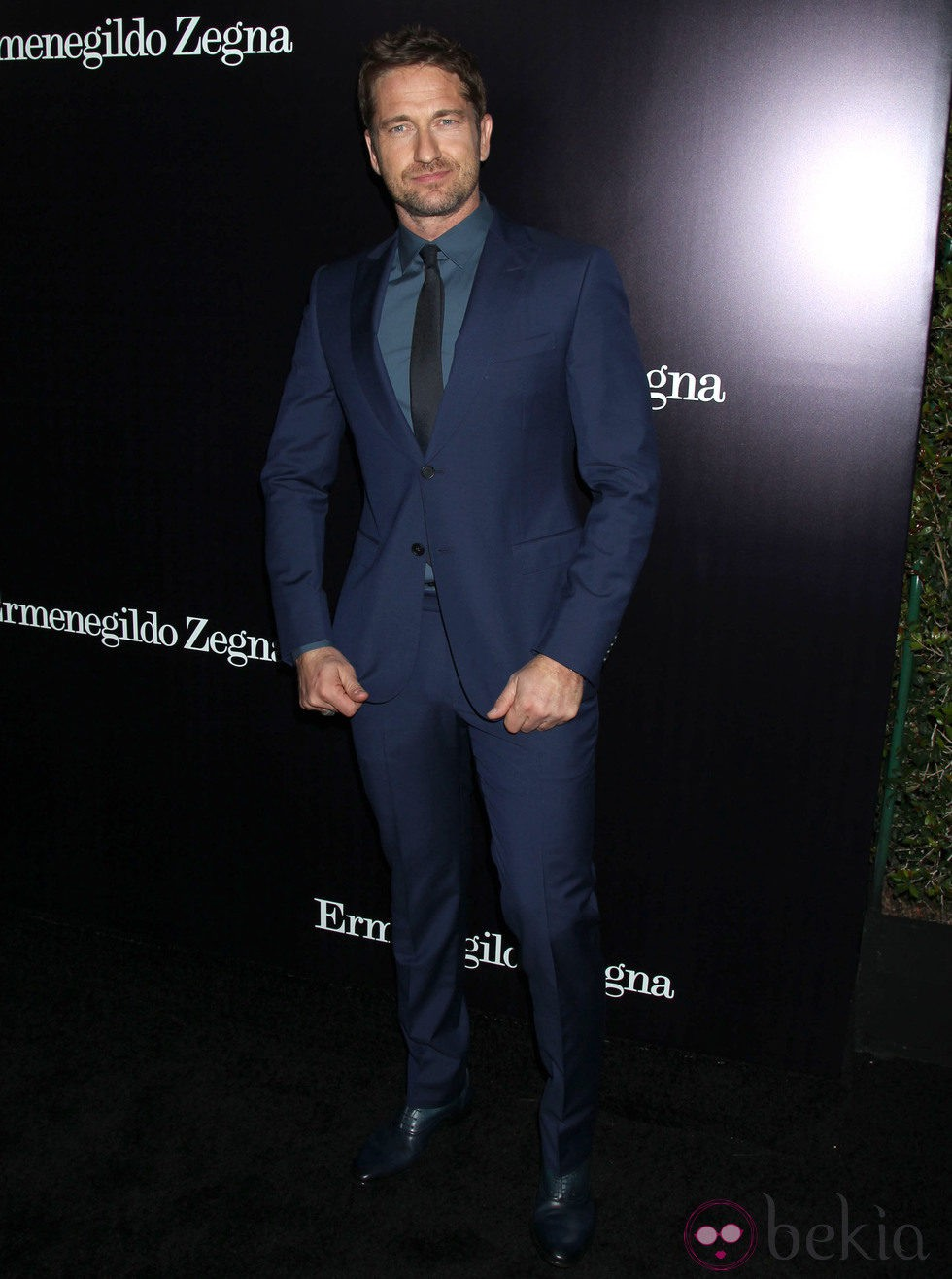 Gerard Butler en la apertura de una tienda de Ermenegildo Zegna en Beverly Hills