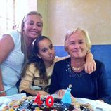 Belén Esteban celebra su 40 cumpleaños con su madre y su hija Andrea