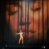 Actuación de Miley Cyrus en los MTV EMA 2013