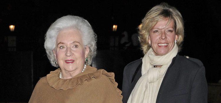 La Infanta Pilar y Simoneta Gómez de Acebo en la cena benéfica de la Asociación Nuevo Futuro