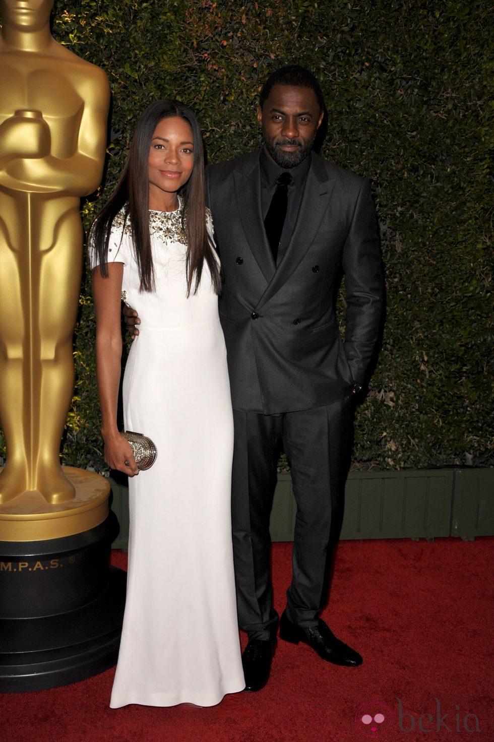Naomie Harris y Idris Elba en la ceremonia de entrega de los Governors Awards 2013