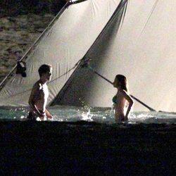Robert Pattinson y Kristen Stewart grabando escenas nocturnas de 'Amanecer'