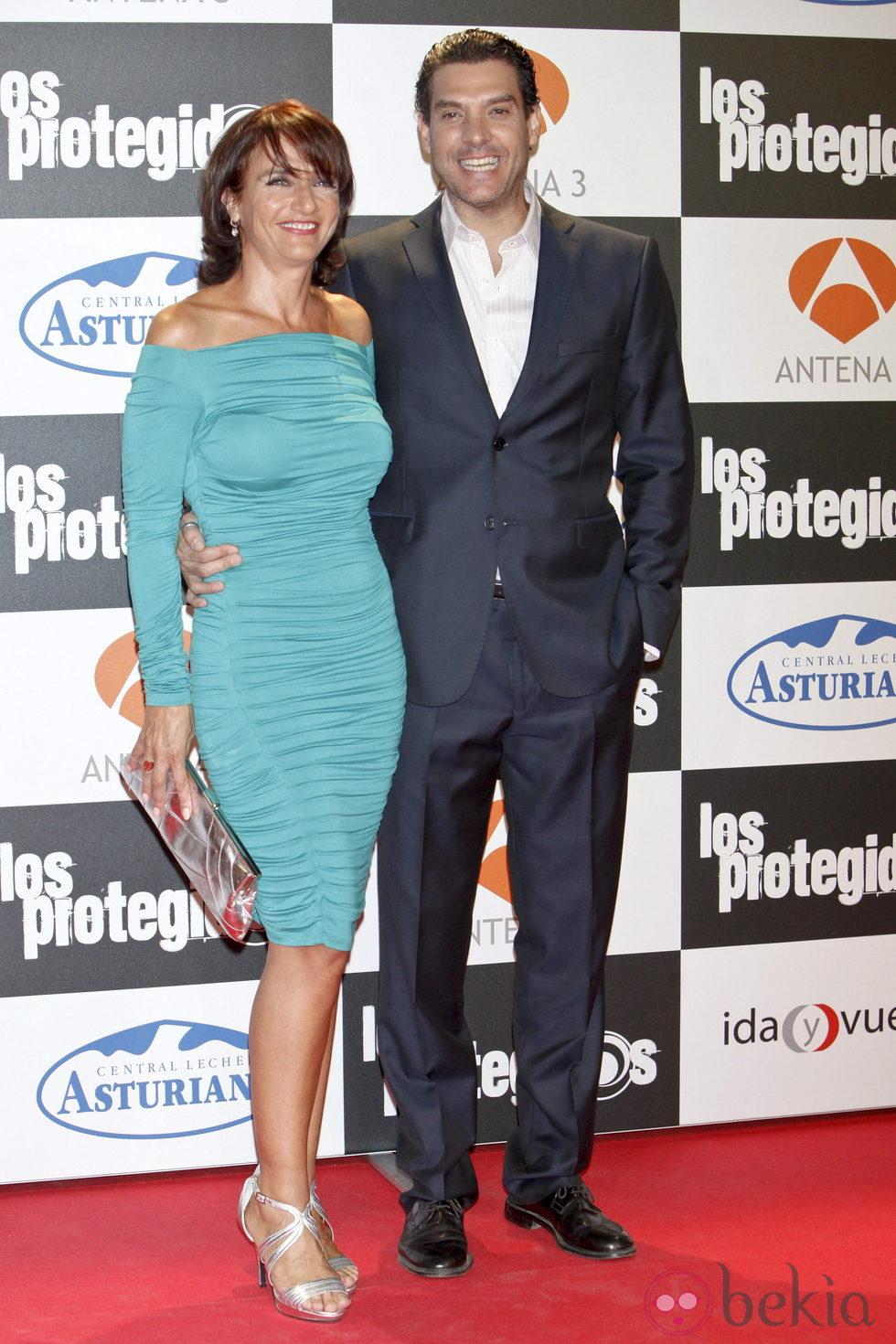 Marta Calvo y Javier Mora en el estreno de la tercera temporada de 'Los Protegidos'