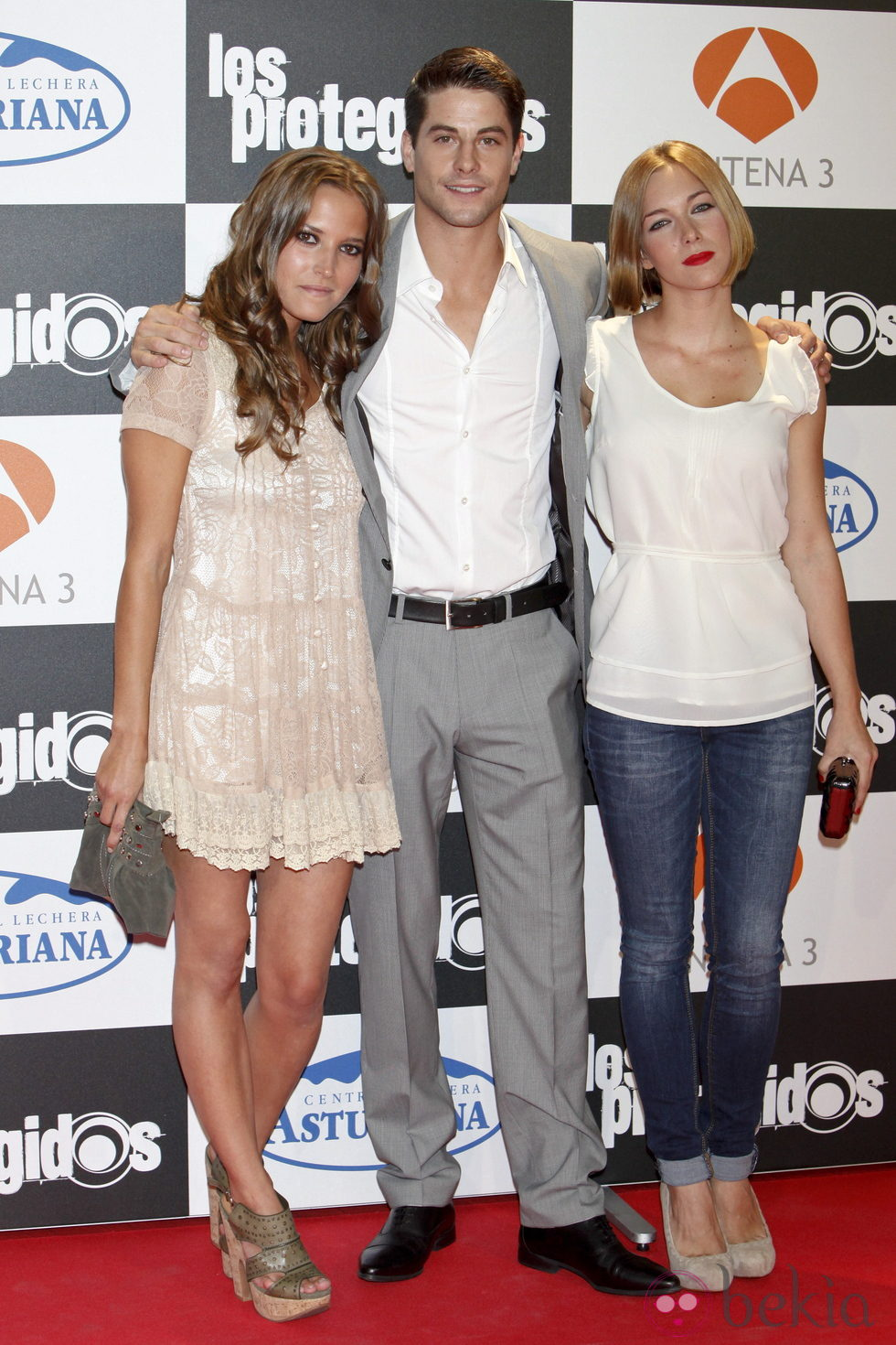 Ana Fernández, Luis Fernández y Natalia Rodríguez en el estreno de la tercera temporada de 'Los Protegidos'