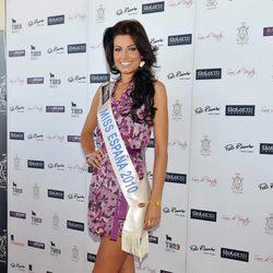 Paula Guilló en su primer posado como Miss España 2010