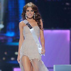 Paula Guilló en la primera prueba oficial del certamen de Miss Universo 2011