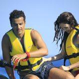 Paz Vega y Orson Salazar en una moto acuática en Ibiza
