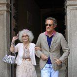 Cayetana de Alba y Alfonso Díez a la salida del Palacio de Monterrey de Salamanca