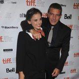 Antonio Banderas y Elena Anaya llegan al Festival de Toronto para promocionar 'La piel que habito'