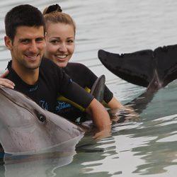 Djokovic y Jelena Ristic, dos enamorados en Dubai
