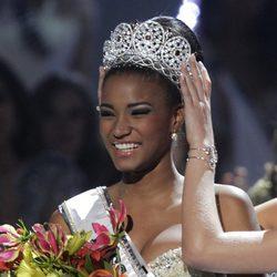 Leila Lopes, Miss Angola, coronada como Miss Universo 2011