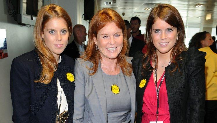 Sarah Ferguson y las Princesas de York en la BGC Charity Day