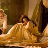Robert Pattinson y Kristen Stewart consolidan su amor en 'Amanecer'
