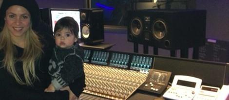Shakira y Milan Piqué en un estudio de grabación en Londres