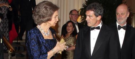 La Reina Sofía y Antonio Banderas en la entrega de las Medallas de Oro del Queen Sofía Spanish Institute