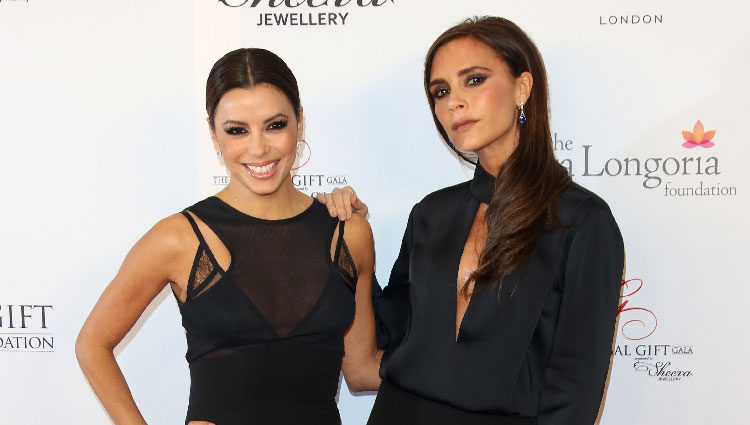 Eva Longoria y Victoria Beckham en la Global Gift Gala 2013 de Londres