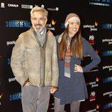 Imanol Arias e Irene Meritxell en el estreno de '3 bodas de más' en la Madrid Premiere Week 2013