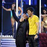 Enrique Iglesias y Pitbull en los Grammy Latinos 2013