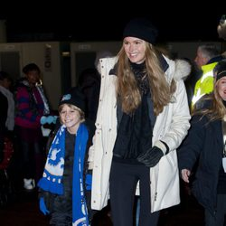 Elle Macpherson y su hijo en 'Winter Wonderland'