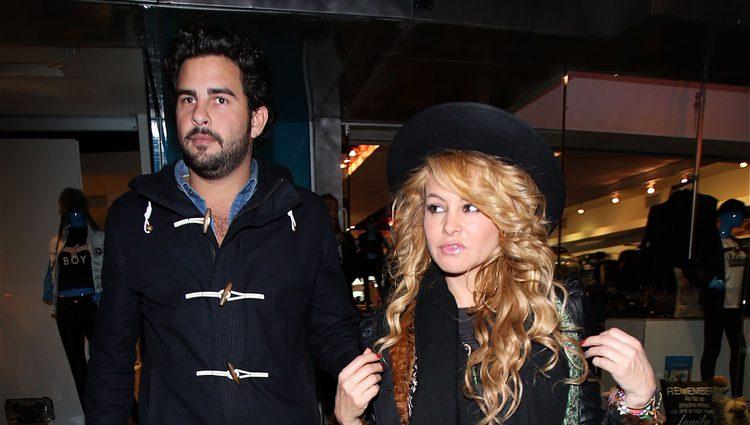 Paulina Rubio y Gerardo Bazúa en Los Angeles