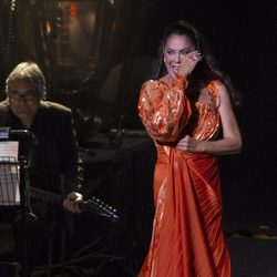 Isabel Pantoja muy emocionada durante un concierto en Murcia