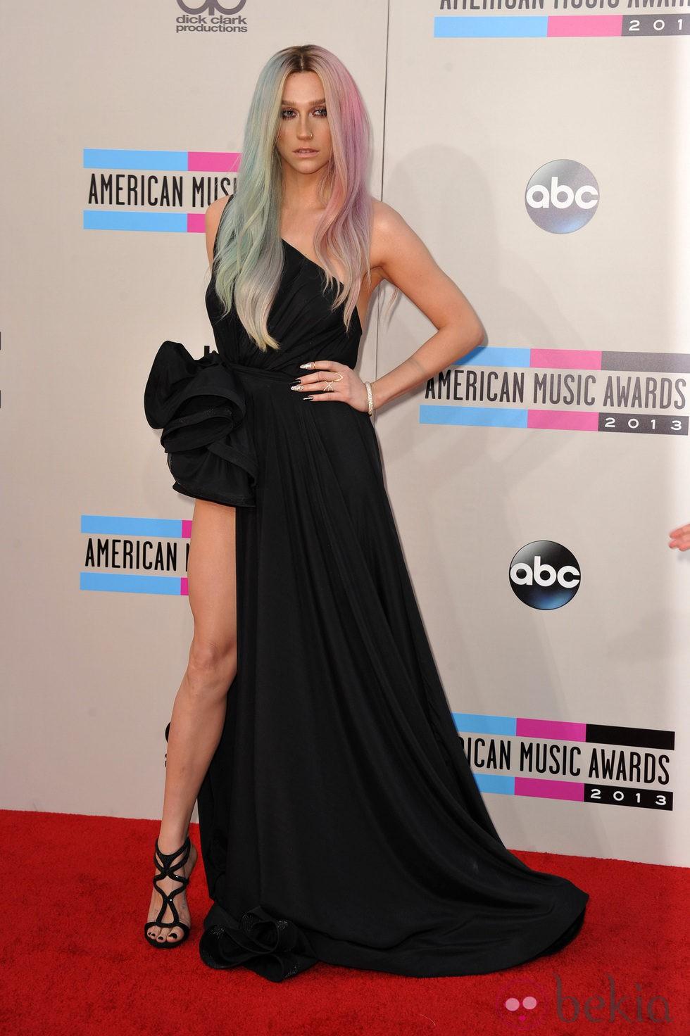 Kesha en los American Music Awards 2013