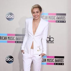 Miley Cyrus en los American Music Awards 2013