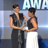 Rihanna con su madre Monica Braithwaite en los American Music Awards 2013
