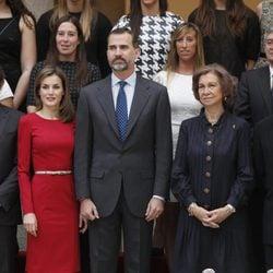 Los Príncipes Felipe y Letizia y la Reina Sofía en la entrega de los Premios Nacionales del Deporte 2012