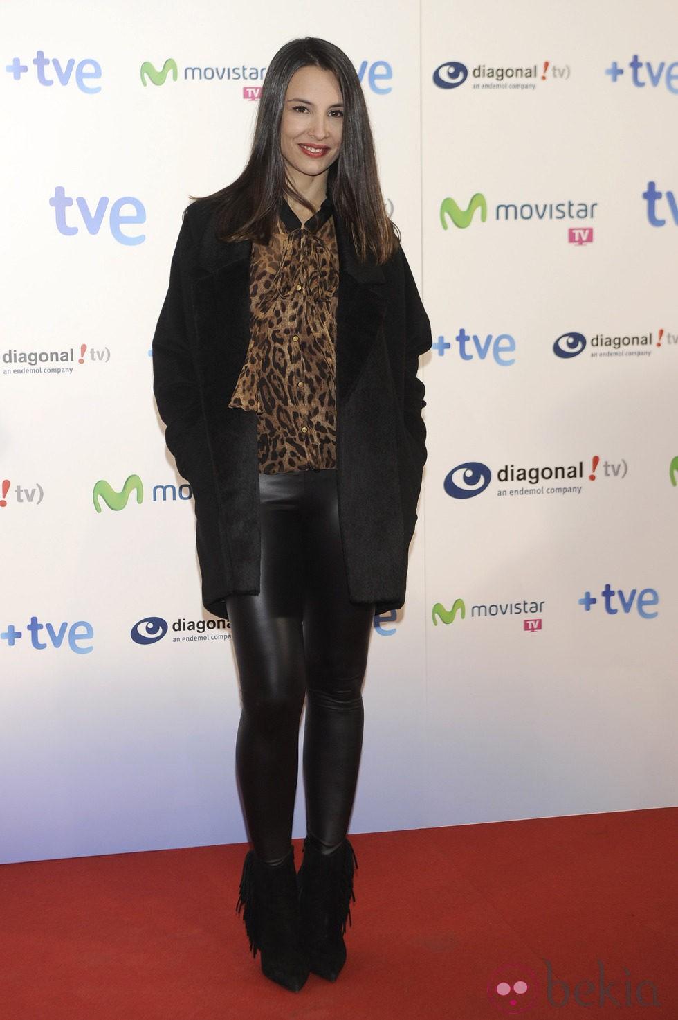 Xenia Tostado celebra el final de la segunda temporada de 'Isabel'