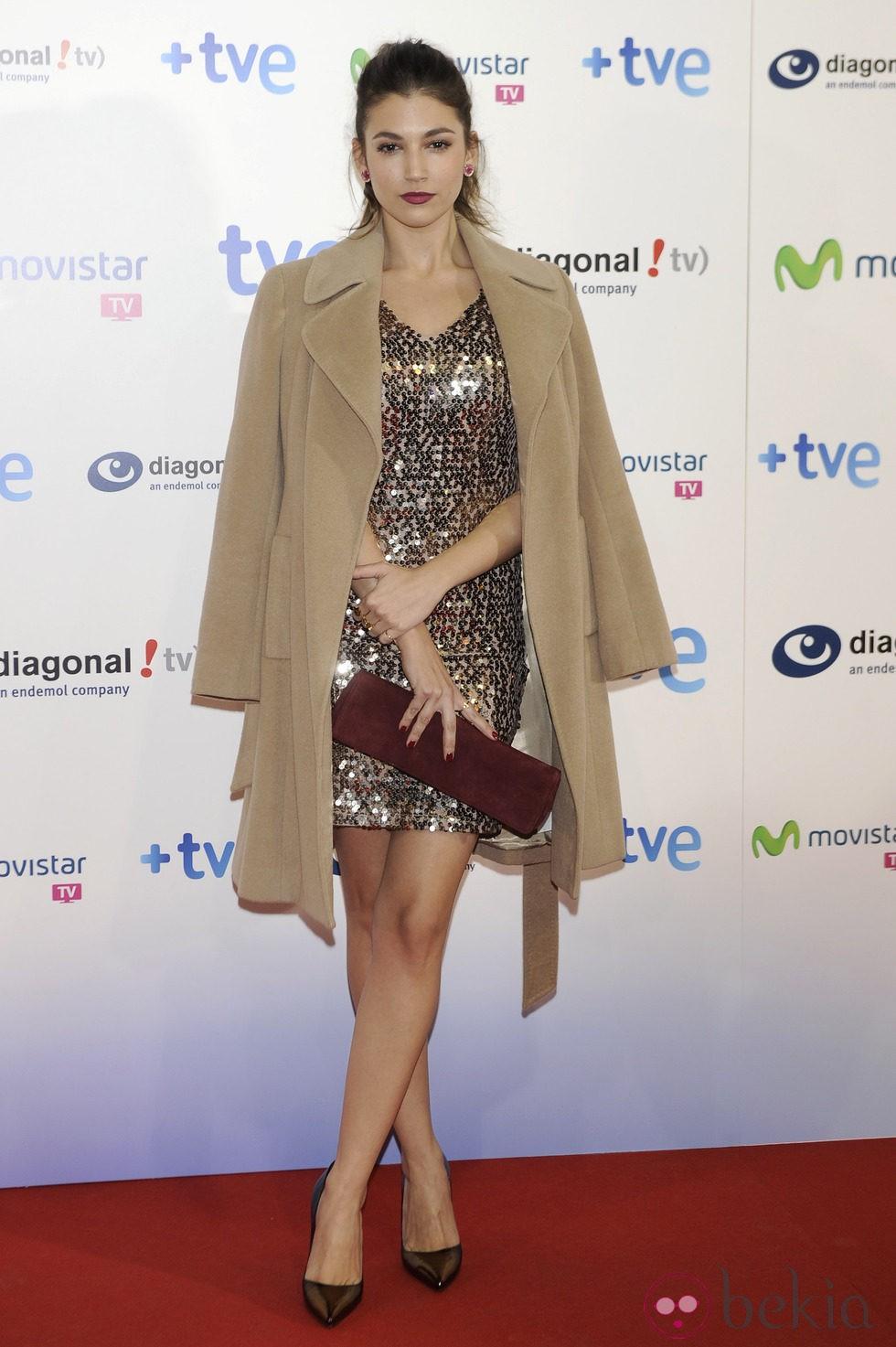 Úrsula Corberó celebra el final de la segunda temporada de 'Isabel'