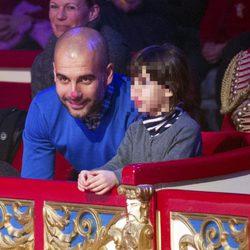 Pep Guardiola y Valentina en el circo